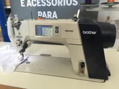 Maquina de costura Brother S7300AS-403, com corte de linha, remate de linha e levantamento de calcador