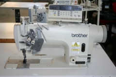 Máquina de costura duplo arrasto 2 agulhas Brother T 8752C-405/PF