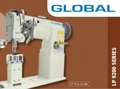 Maquina de costura 2 agulhas triplo arrasto de coluna lacadeira de grande capacidade, com suspensão de agulhas GLOBAL LP9226 LH LP8MM, com motor servo, tampo e bancada nacional