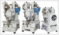 Conjunto de 2 maquinas de meter molas automáticas SM600N, para molas de babigroul macho e fêmea.