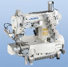 Maquina de costura de aparar bainhas JUKI MF-7923D-H25/E56/UT57/MC37/SC921BN/CP18B, com bancada e tampo nacional