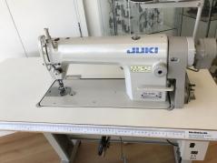 Maquina de costura Juki DDL-8100E com motor servo, tampo e estante nacional