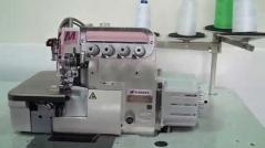 Maquina de costura Pegasus M952-52-2X4 - C/Sensor, com motor servo DD GD40-4-AS-OL-220, corte de linha, levantamento pneumático, kit de desperdício, kit de sopro de ar, tampo e bancada nacional