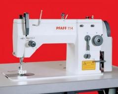 Maquina de costura zigzag PFAFF 114-6/01 BS X 9.0, com mesa de trabalho e motor, ligacao electrica de 230 V, suporte com dois carros de linha e com pedal.