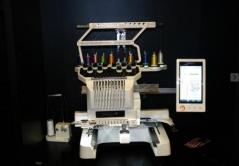 Maquina de bordar electronica de 10 agulhas Brother PR 1055X